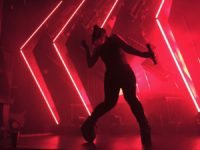 Amelia Meath dancing during her set on August 29, 2017. Photo credit: Kelly Kolff