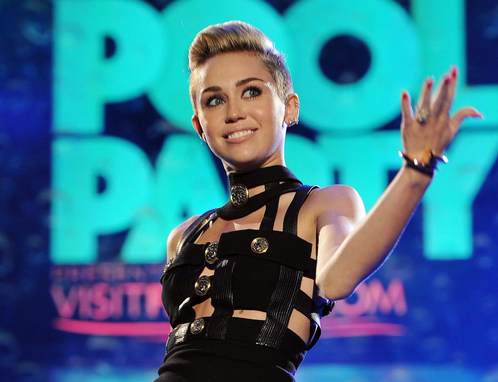 People Miley Cyrus
