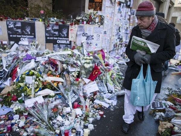 635568231141070297-EPA-FRANCE-PARIS-TERROR-ATTACKS-CHARLIE-HEBDO-EDITION.jpg