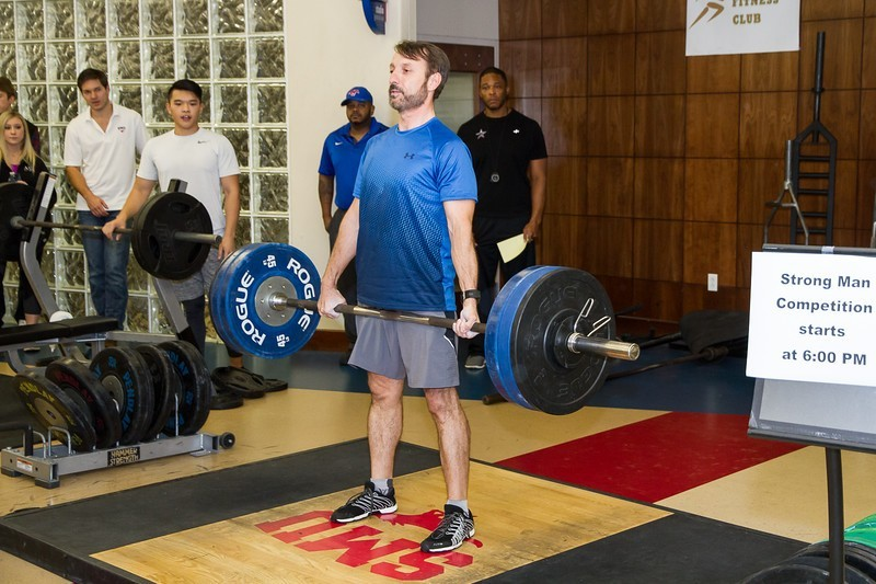 2016 Strong Man competitors test fitness, strength