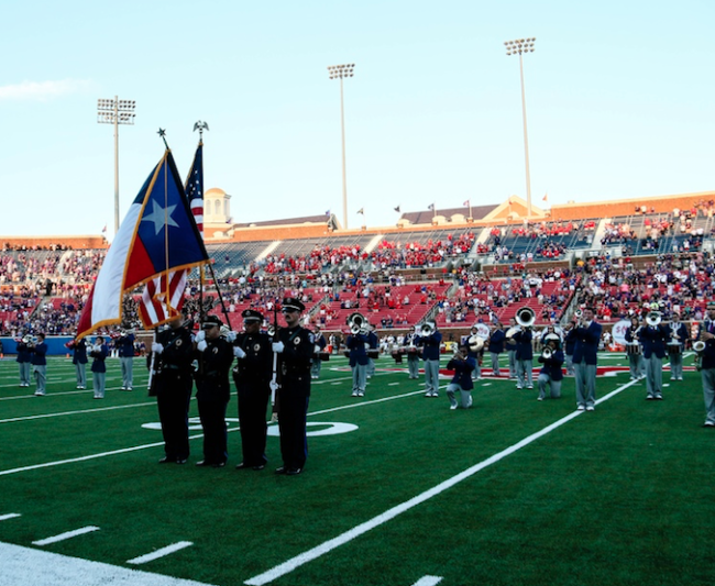 smu-band-members-kneel-in-protest-during-national-anthem.png