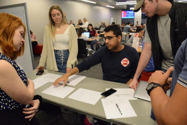 Student Senate Tabling.jpg